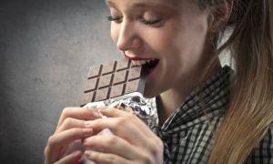 Можно ли без опасений есть просроченный шоколад