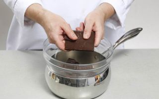 Как правильно топить шоколад на водяной бане
