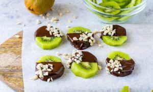 Киви в шоколаде на палочке: пошаговый рецепт