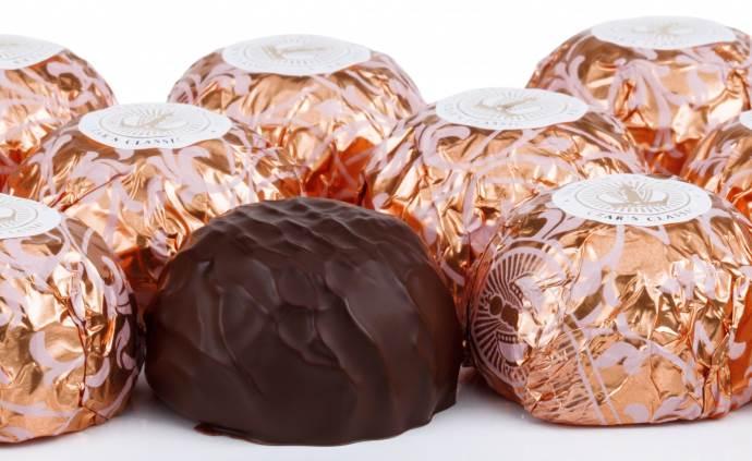 Шоколадные конфеты в фольге