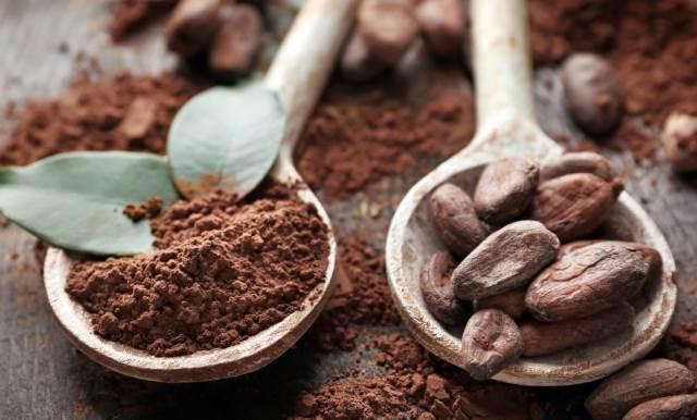 Какао-бобы и какао-порошок